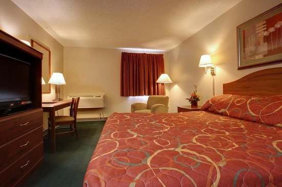 Americas Best Value Inn - St. Louis / South: One Queen Bed