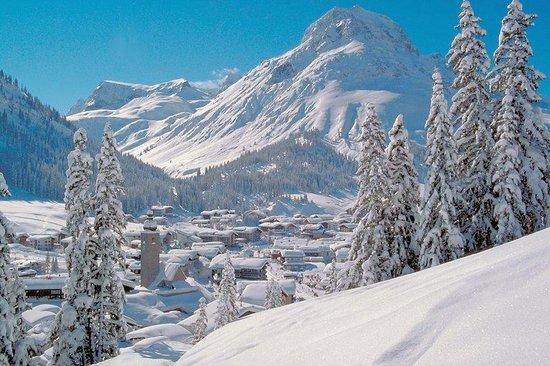 Kristiania Lech: Village