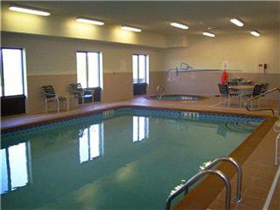 Holiday Inn Express Hotel & Suites Sedalia: Swimming Pool
