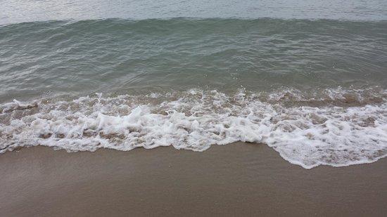Calane Hotel Village: Il Mare e la Spiaggia di sabbia