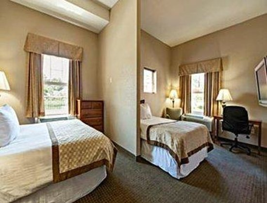 Hawthorn Suites by Wyndham Panama City Beach FL: Standard 2 Queen Bed Room