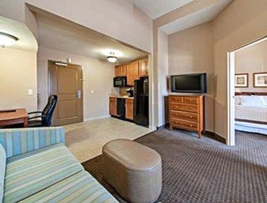 Hawthorn Suites by Wyndham Panama City Beach FL: Suite