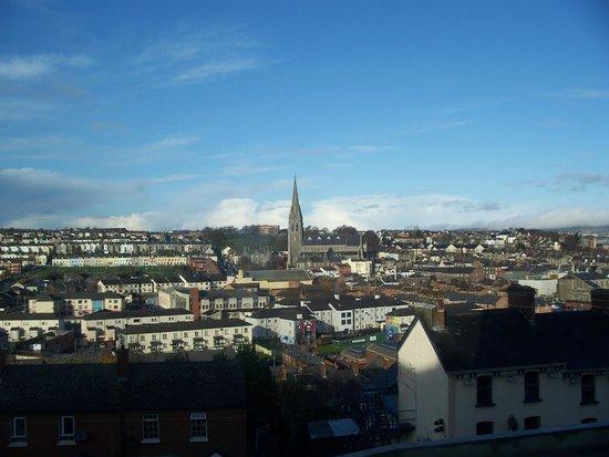 Maldron Hotel Derry : Vista dal salottino