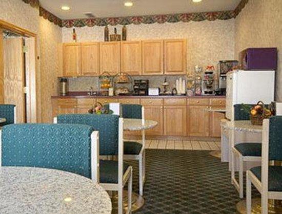 Super Motel: Breakfast Area