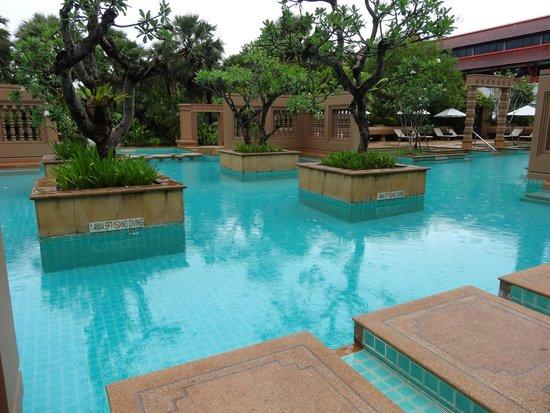 Le Meridien Angkor : プール