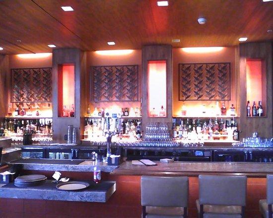 """JW Marriott Scottsdale Camelback Inn Resort & Spa : """"R"""" Bar"""
