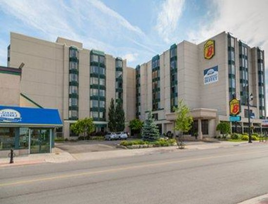 Super  Niagara Falls Fallsview District Hotel