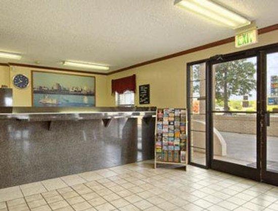 Super 8 Lakeland : Lobby