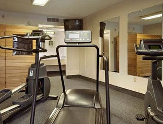 Ramada Sterling: Fitness Center
