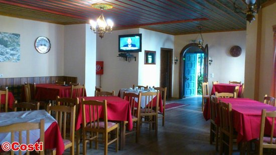 Ladias Guest House: The bar and breakfast room