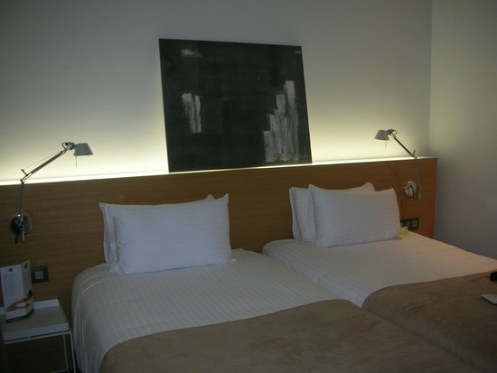 Hotel Zenit Budapest Palace : letto comodo