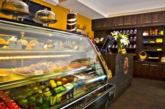 Holiday Inn Panama Canal: Bakery Shop