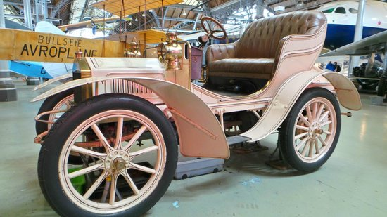 Museum of Science & Industry: An old car