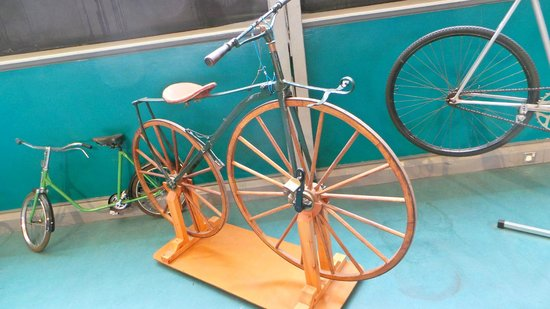 Museum of Science & Industry: An old bike