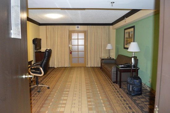 Crowne Plaza Suites Houston - Near Sugar Land: ENTRANCE OF ROOM