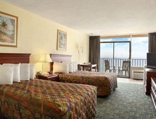 Days Inn Virginia Beach Oceanfront: Standard Two Double Room