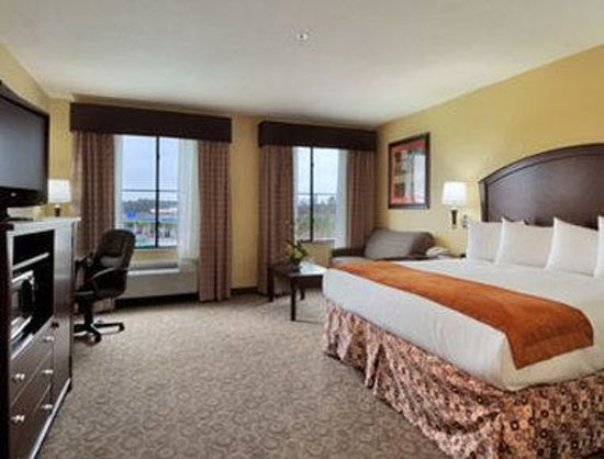 Baymont Inn & Suites Houston Intercontinental Airport: Suite 2