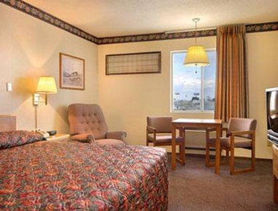 Serve U Inn: Standard King Bed Room