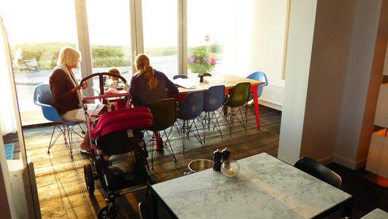 Vesper Hotel: Frühstück mit Blick aufs Meer