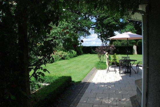 Country Garden House: Giardino