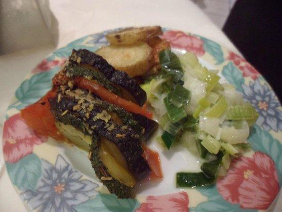Hotel Vuillot : Les légumes servis avec la truite
