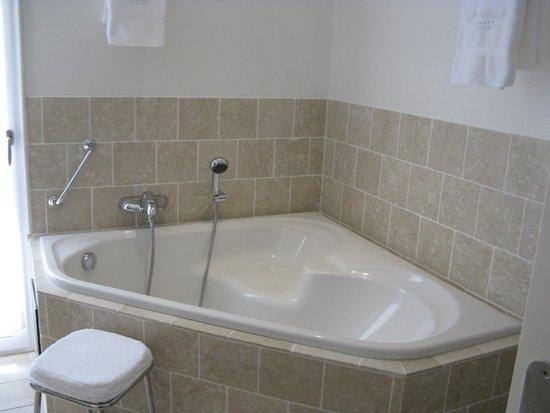 La Villa : Bathroom
