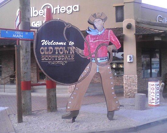Old Town Scottsdale: Oldtown cowbay