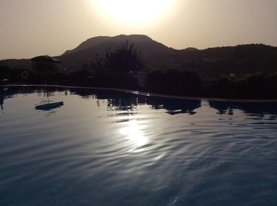 Montana Pine Resort: the Dolphin Pool close to sunset