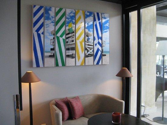La Villa: Art work
