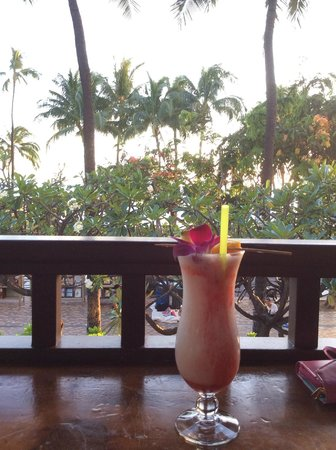 Park Shore Waikiki : Beachside drink at Lulu's