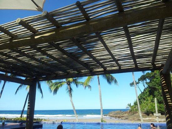 Bossa Nova Itacaré Eco Resort : Quiosque frente para a prais