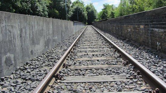 Gleis 17, Grunewald: Track 17
