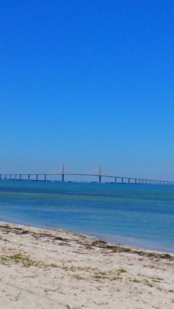 Sunshine Skyway Bridge: View of the Sunshine Skyway.