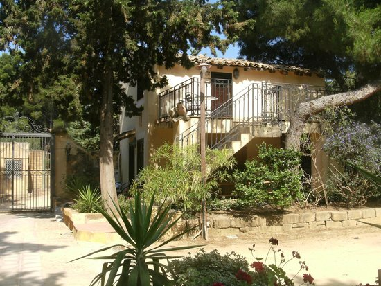 B&B Villa San Marco : Notre logement à l'entrée du domaine