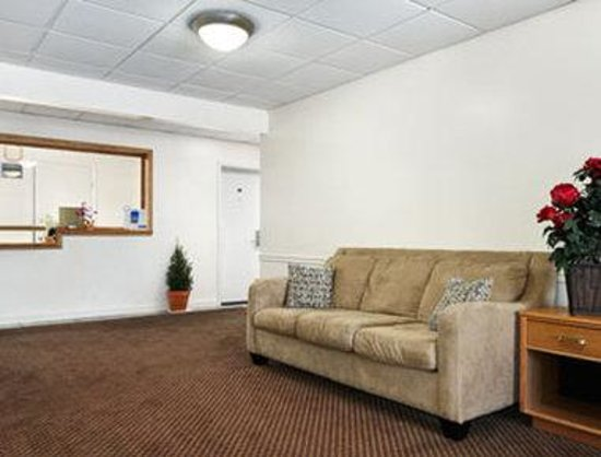 Travelodge Carlisle: Lobby