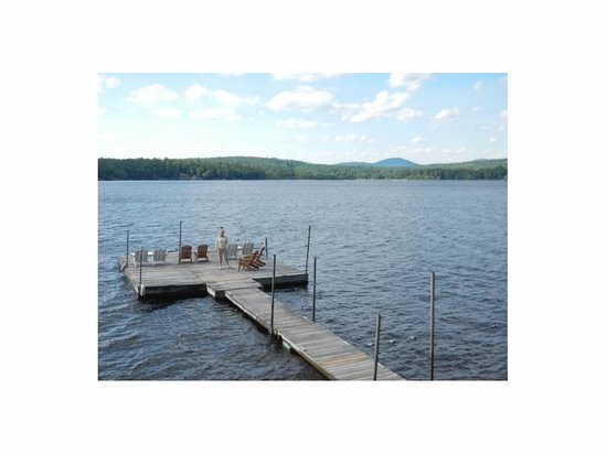 Water's Edge Cottages: view of the lake