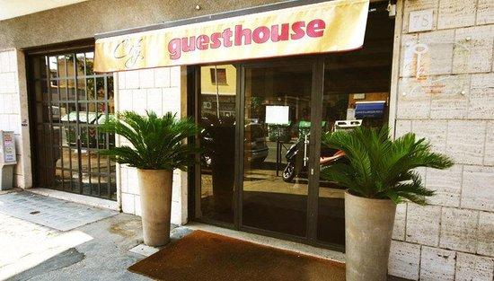 City Guest House: Exterior