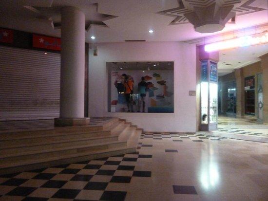 Tej Marhaba Hotel: Hotel Shopping Complex