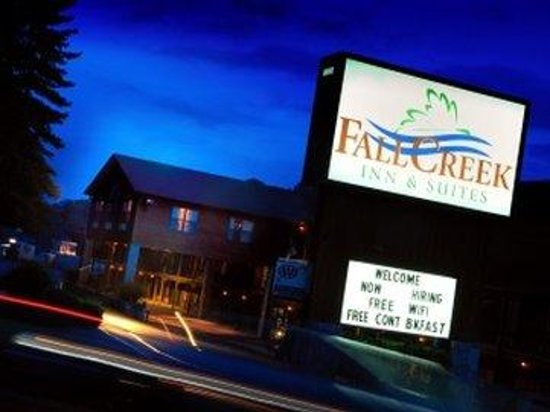 Fall Creek Inn & Suites : Sign