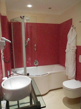 La Griffe Roma - MGallery By Sofitel : Salle de bains