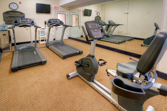 Holiday Inn Express Hotel & Suites Clarksville: Fitness Center