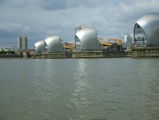 Thames RIB Experience: Thames Barrier