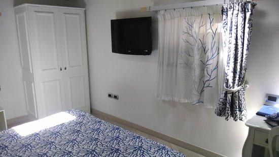 La Ciliegina Lifestyle Hotel: Main Bedroom Photo 2
