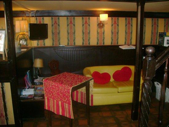 Suisse Hotel: Recepção