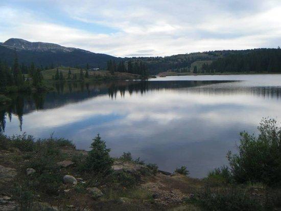 Molas Pass: Lake View
