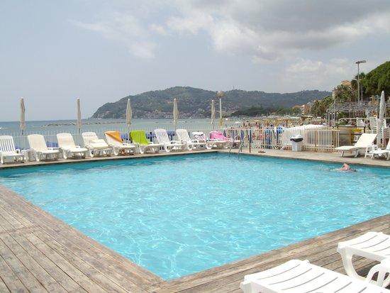 Hotel Mayola: la piscina