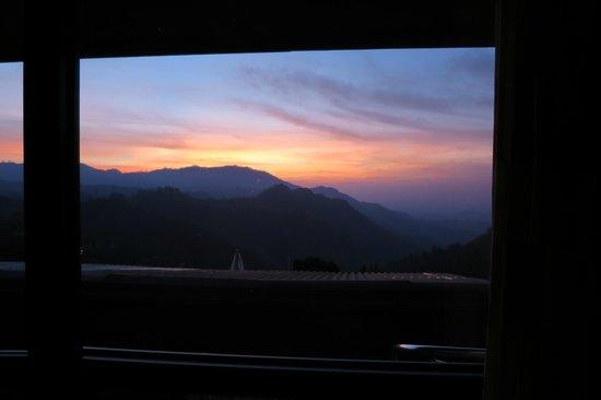 Ella Gap Panorama : Lever du soleil depuis le lit