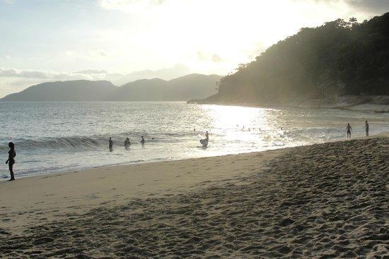 Pousada Porto Do Itaguá: Vista da Praia