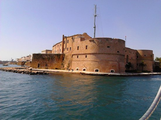 Castello Aragonese : Vista da Mar Grande