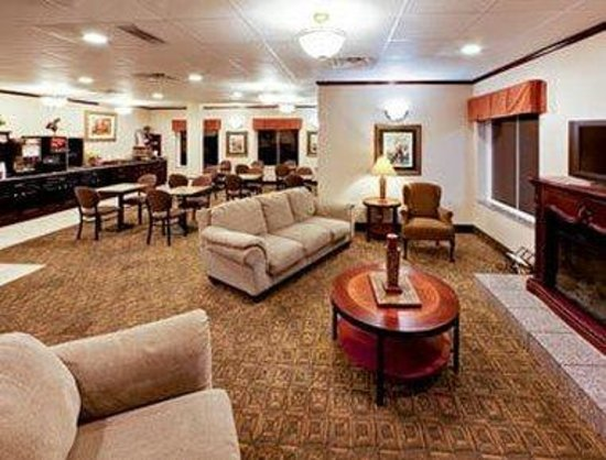 Hawthorn Suites by Wyndham: Dinning Area